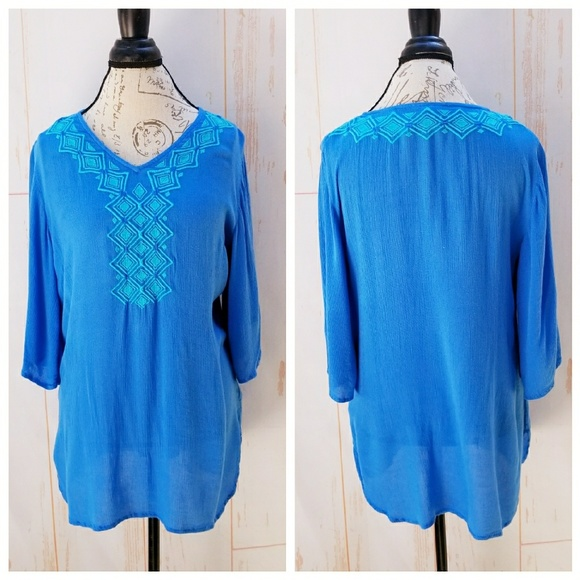 a840973e9ac Lilly Pulitzer for Target Tops - Lilly Pulitzer blue embroidered tunic top